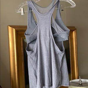 Lululemon top with bra 8
